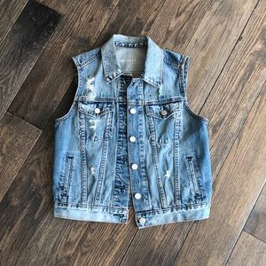 Gap Distressed Vest - EUC